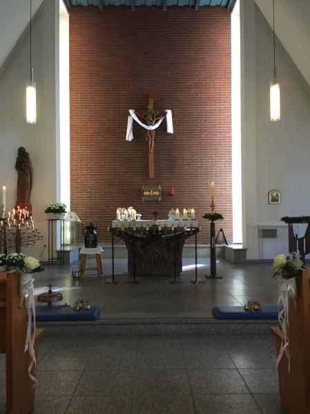 Erstkommunion-Altar-Meik160508